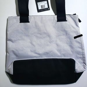 0f7e02bd5b Nike Bags - Nike Radiate Shoulder Tote Workout Fitness Bag